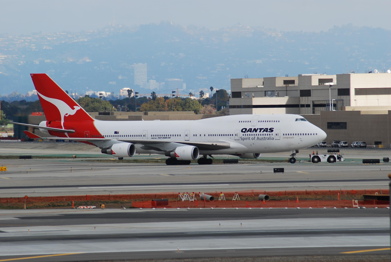 File:QANTAS AIRLINES (2224953585) jpg - Wikimedia Commons