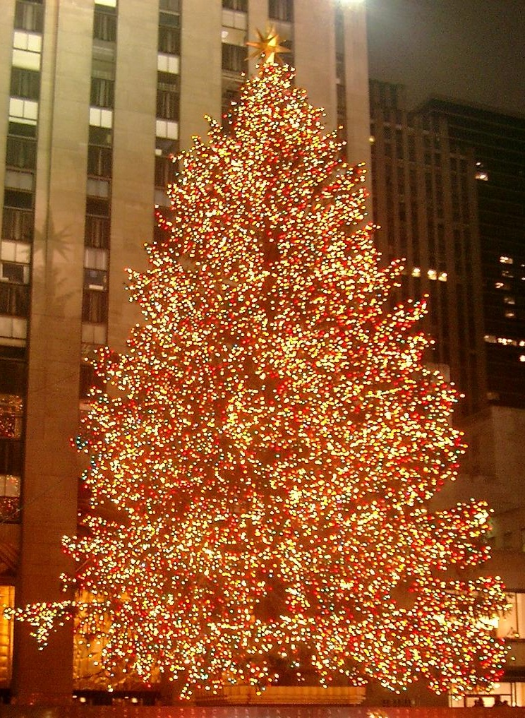 File:Rockefeller Center christmas tree cropped.jpg - Wikipedia