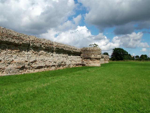 Roman Fort, Burgh Castle, Norfolk - geograph.org.uk - 271608