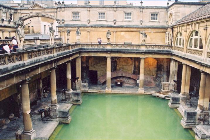 File:Roman bath, Bath, England.jpg
