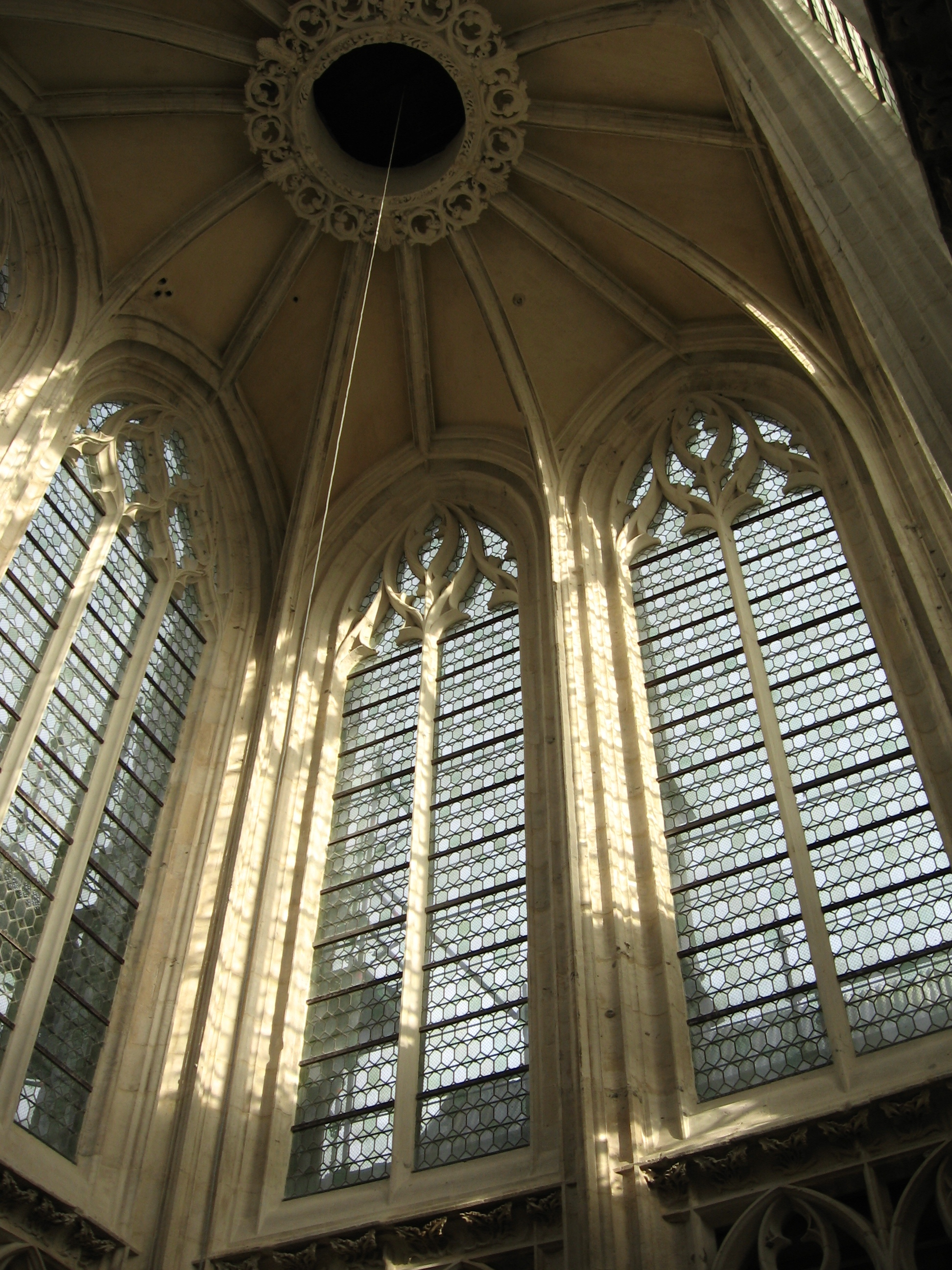 File rouen glise saint maclou int rieur dela tour wikimedia c - Saint maclou tapisserie ...