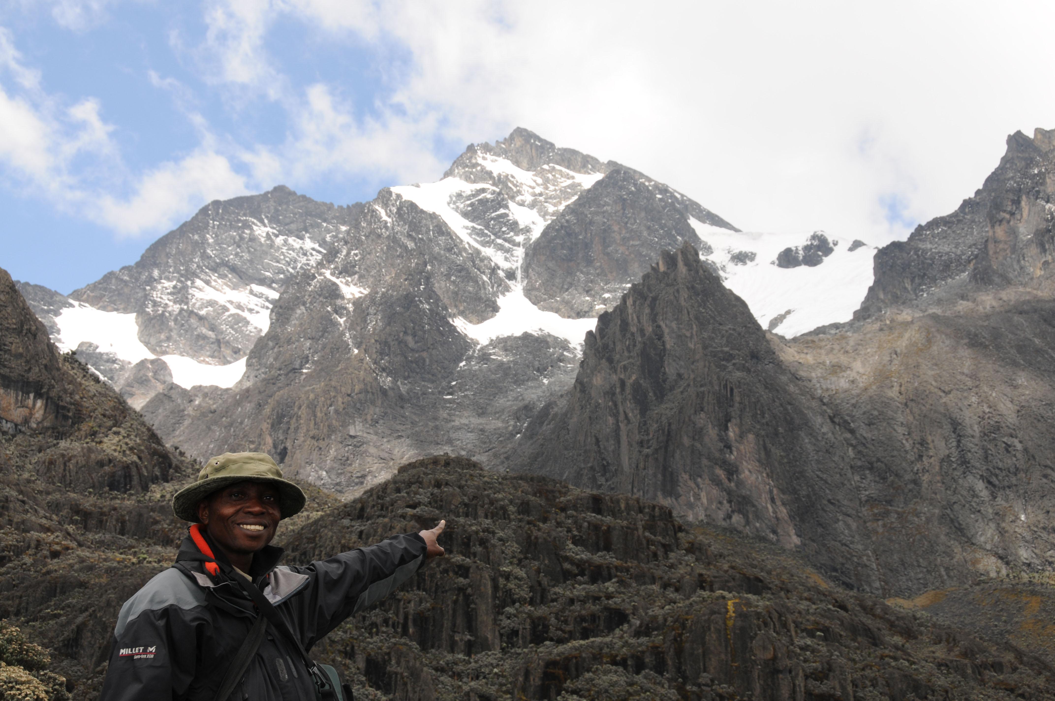http://upload.wikimedia.org/wikipedia/commons/4/4f/Ruwenzori_Mountains_Virunga_National_Park.jpg