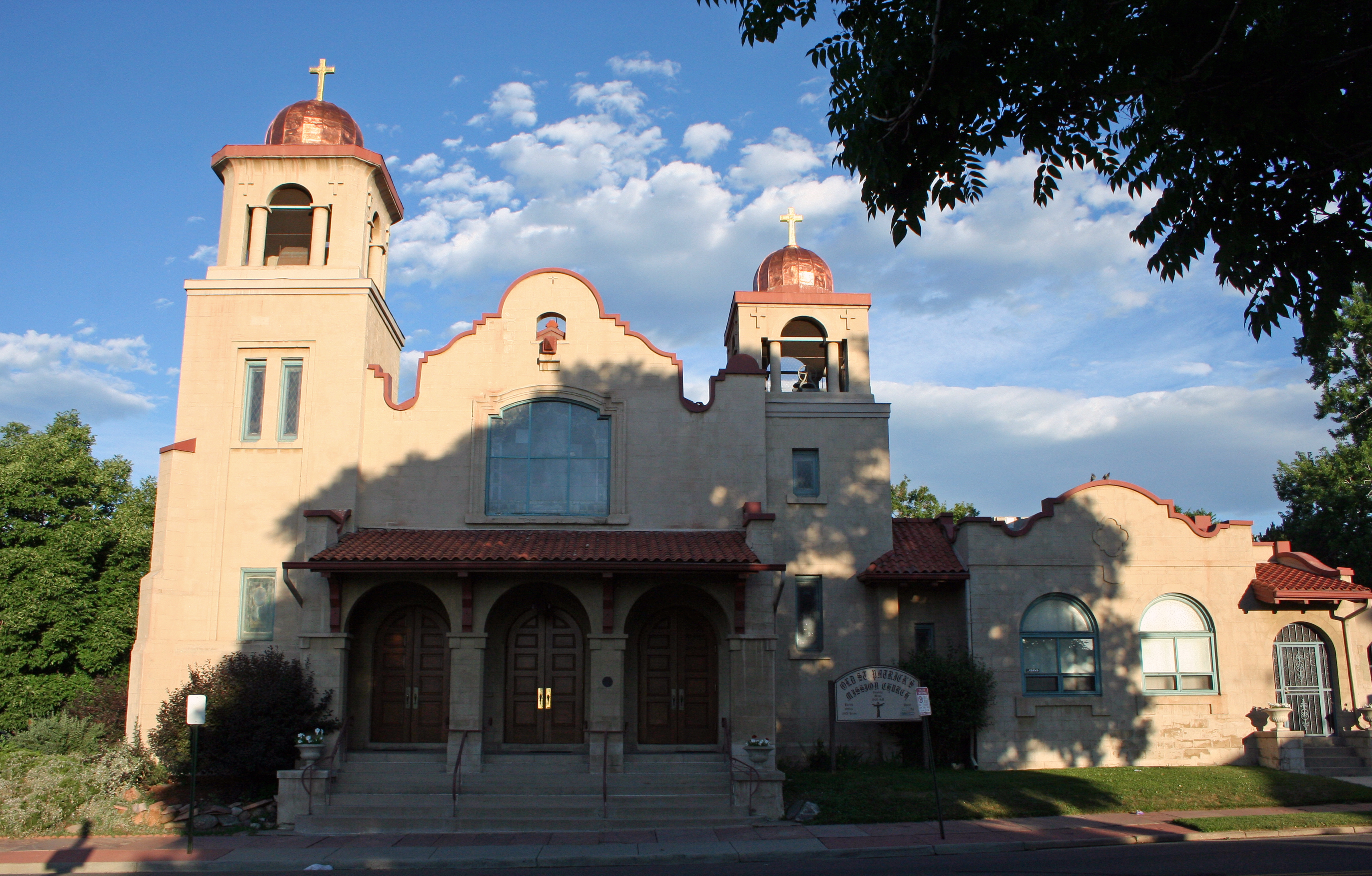 San Francisco de Asis Mission Church - Wikipedia