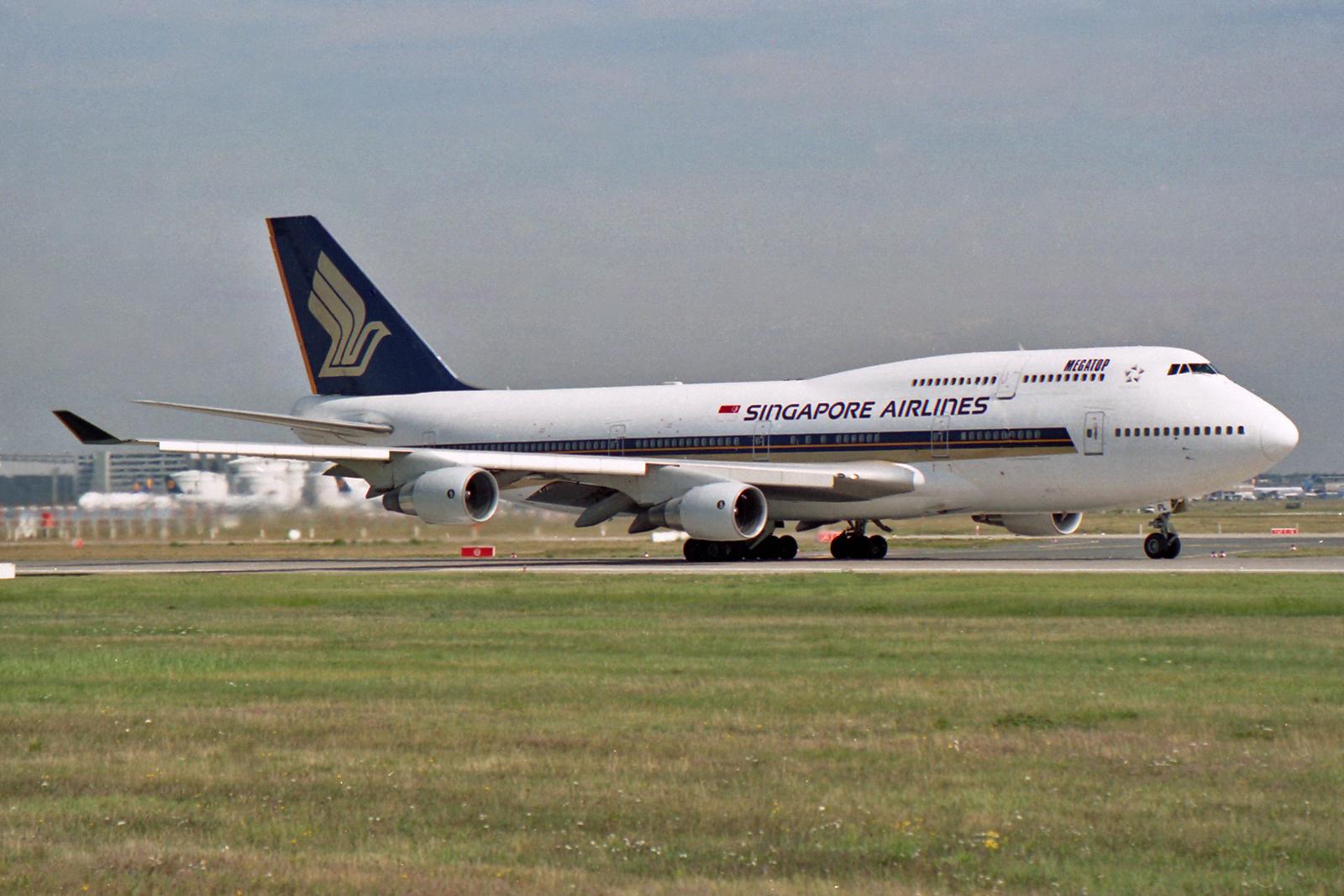 Filesingapore Airlines Boeing V Spl  Jpg