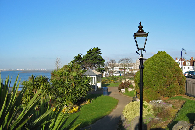 Southend Cliff Gardens - geograph.org.uk - 734118