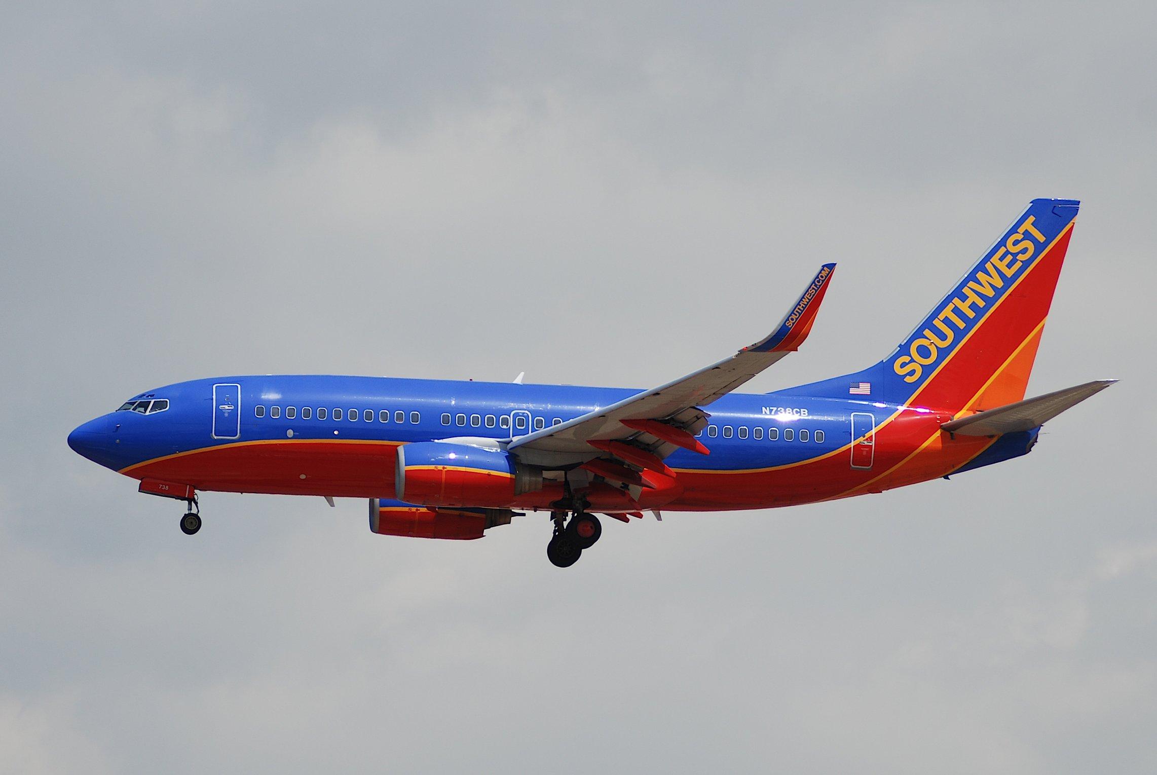 Https En M Wikipedia Org Wiki File Southwest Airlines Boeing 737 700 N738cb Lax 21 04 2007 466kc 4289282802 Jpg