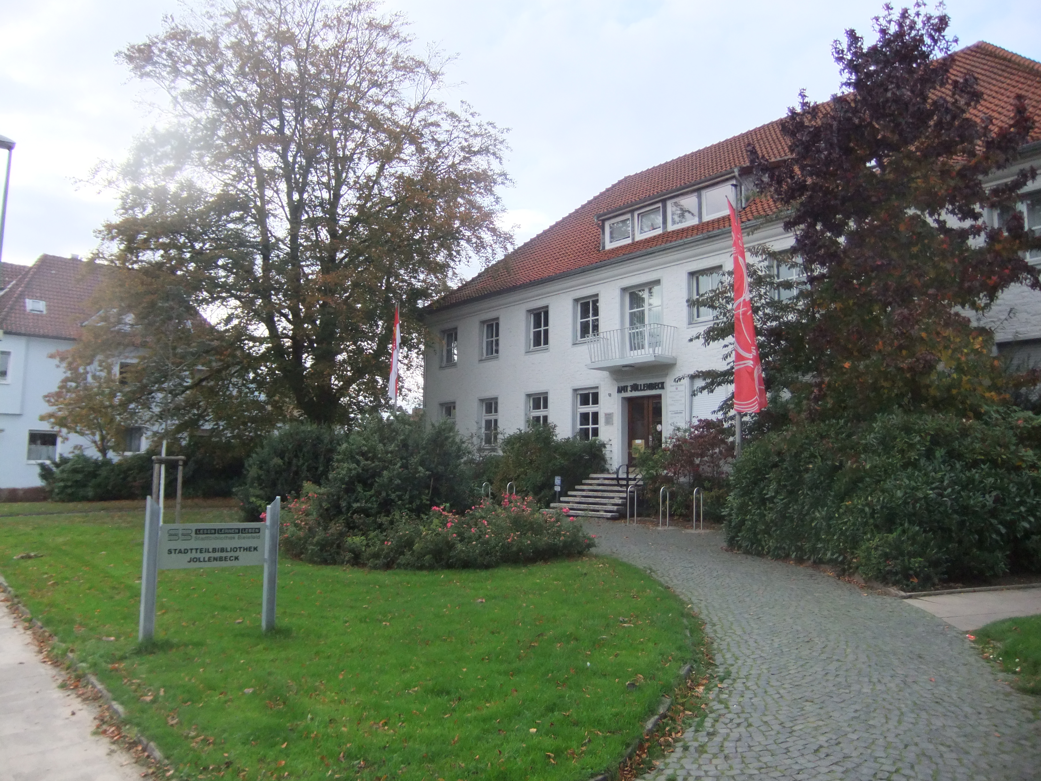 file stadtbibliothek bielefeld jöllenbeck jpg wikimedia commons
