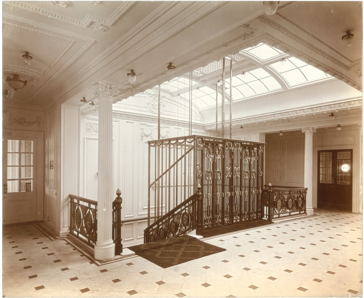 File:Staircase And Elevator, Lusitania (6054228948)