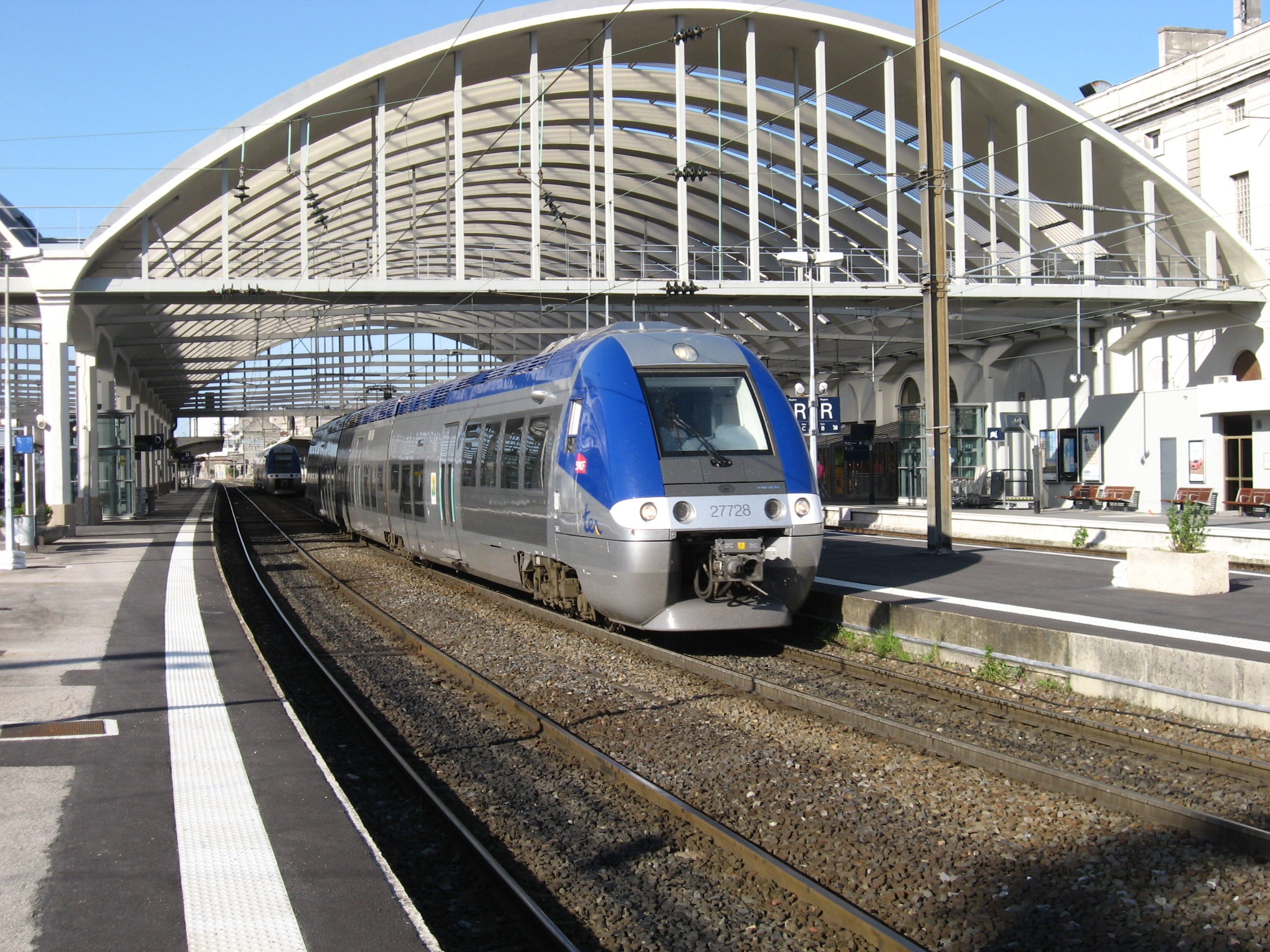 File:Station Reims TER.JPG - Wikimedia Commons