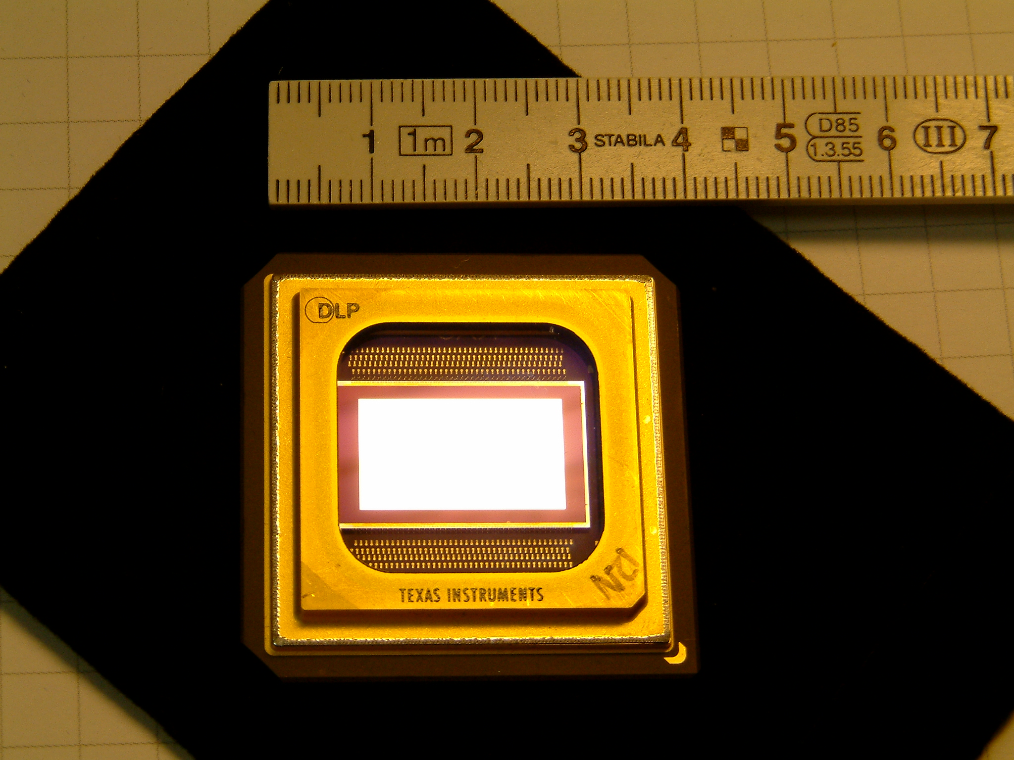 File:Texas Instruments DLP digital micromirror device - (1 ...