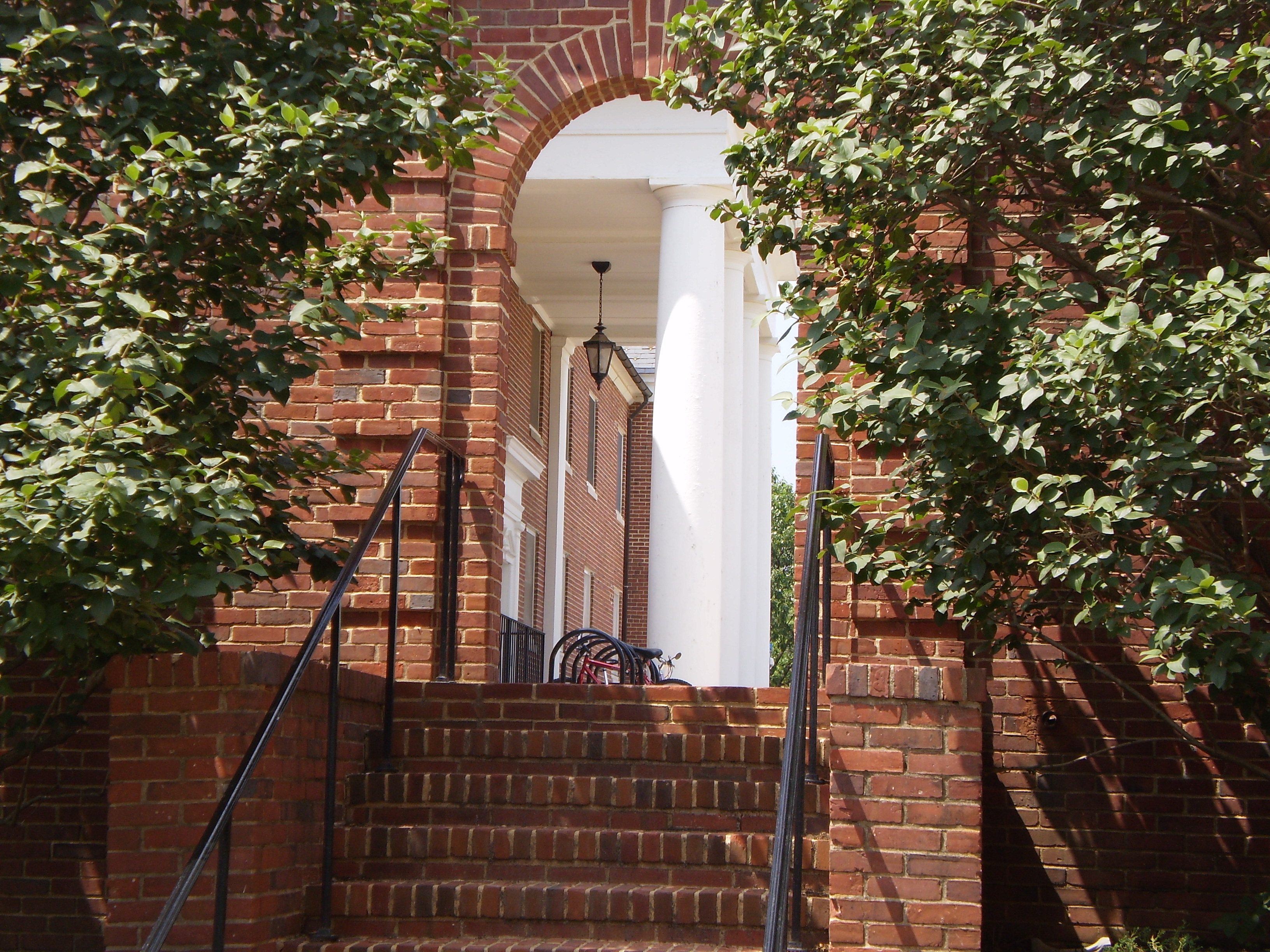 File:UMD brick entryway.JPG - Wikimedia Commons