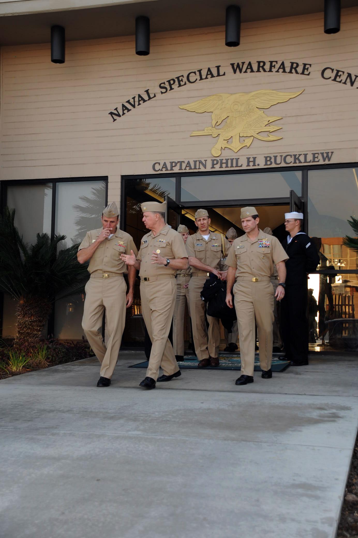 File:US Navy 080111-N-5366K-028 Adm. Gary Roughead, Chief of Naval ...