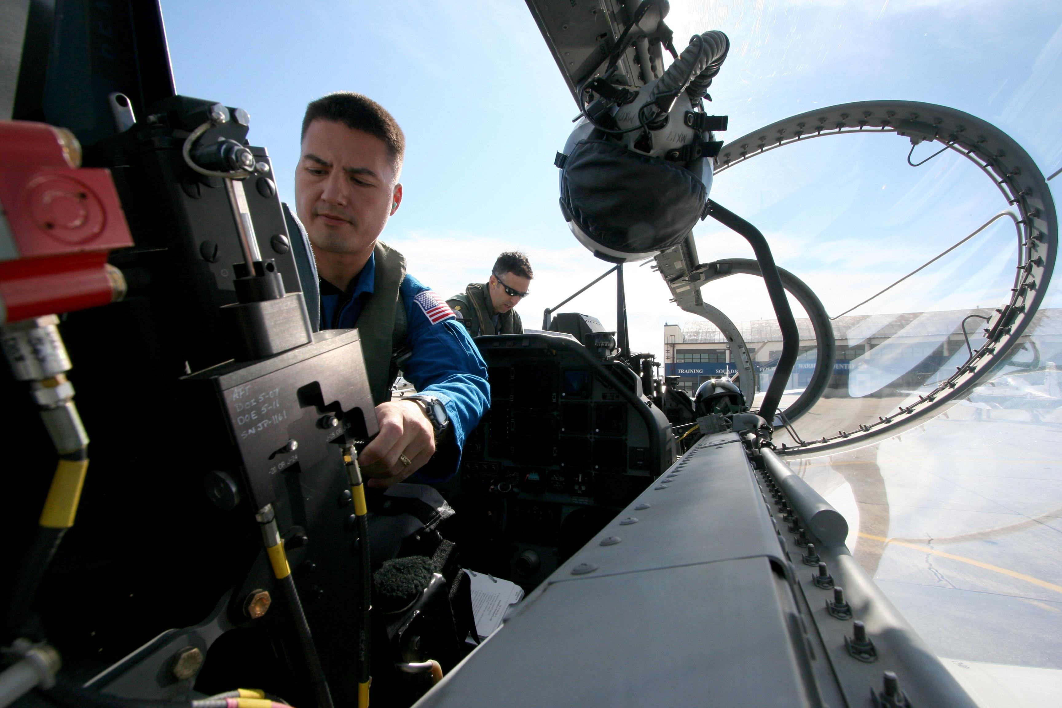 File:US Navy 091006-N-9001B-068 NASA astronaut candidate ...