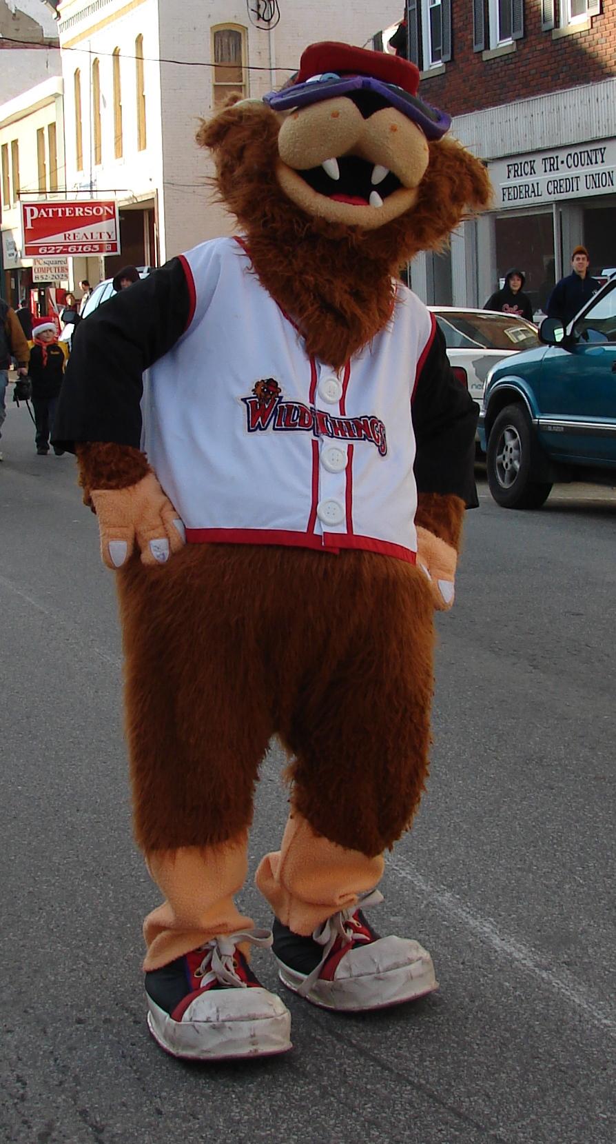 file washington wild things mascot jpg wikimedia commons