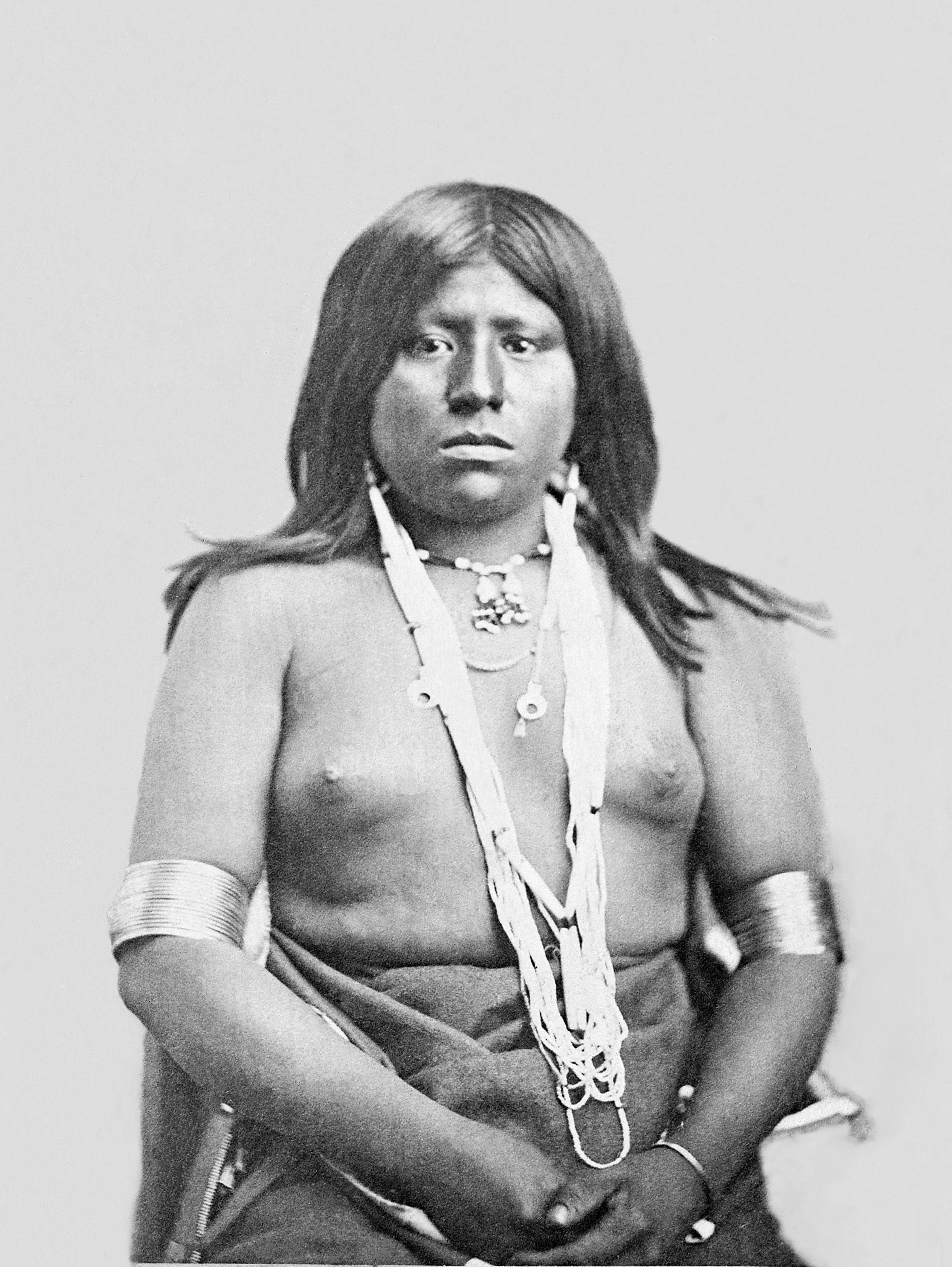 image Big boobs tattooed cherokee babe dildoing