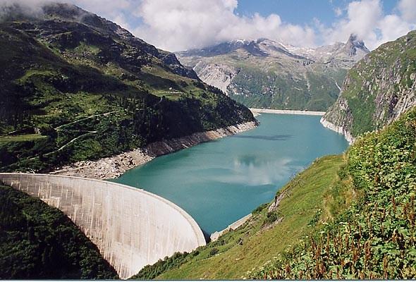 Zervreilasee (Stausee) bei Vals in Graubünden - Quelle: WikiCommons