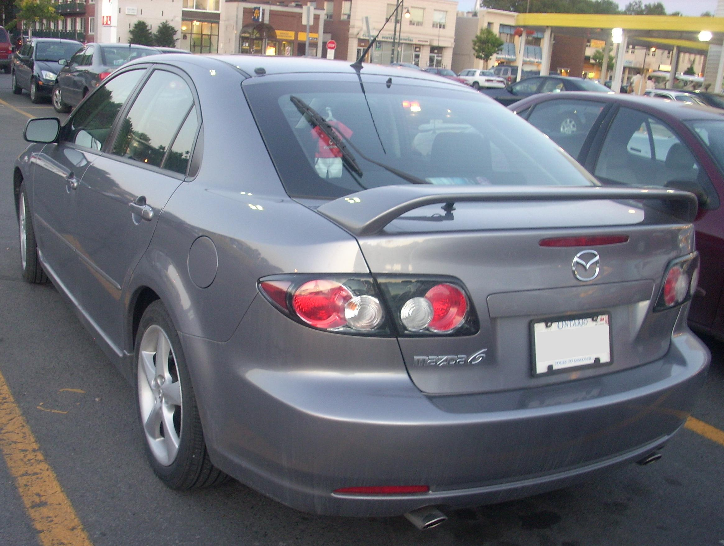 https://upload.wikimedia.org/wikipedia/commons/5/50/%2706-%2708_Mazda6_Hatchback.JPG