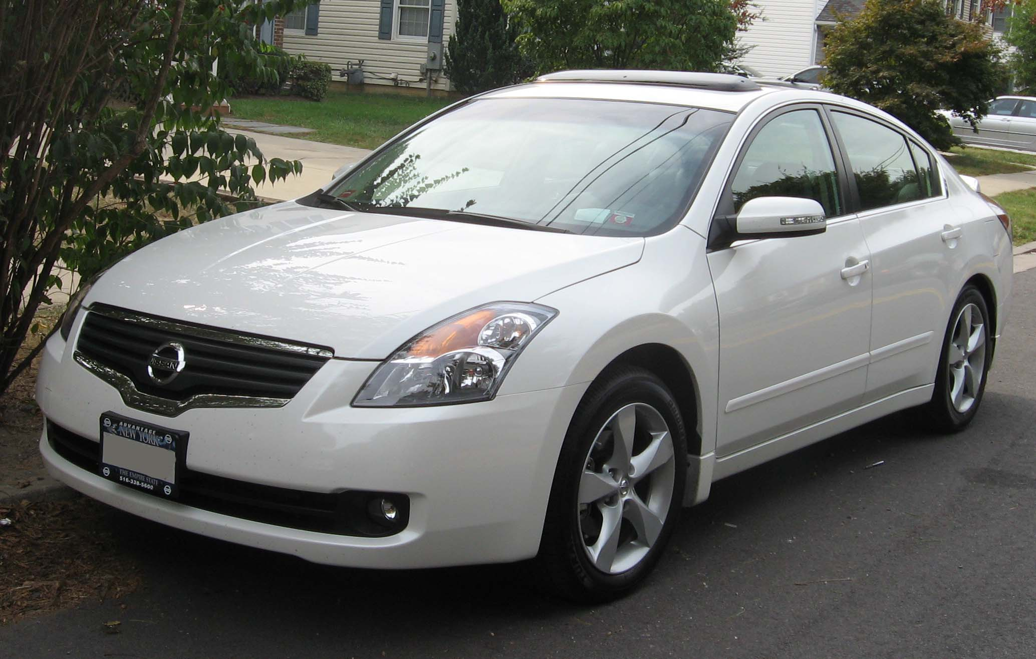 file:07-08 nissan altima 3.5se - wikimedia commons
