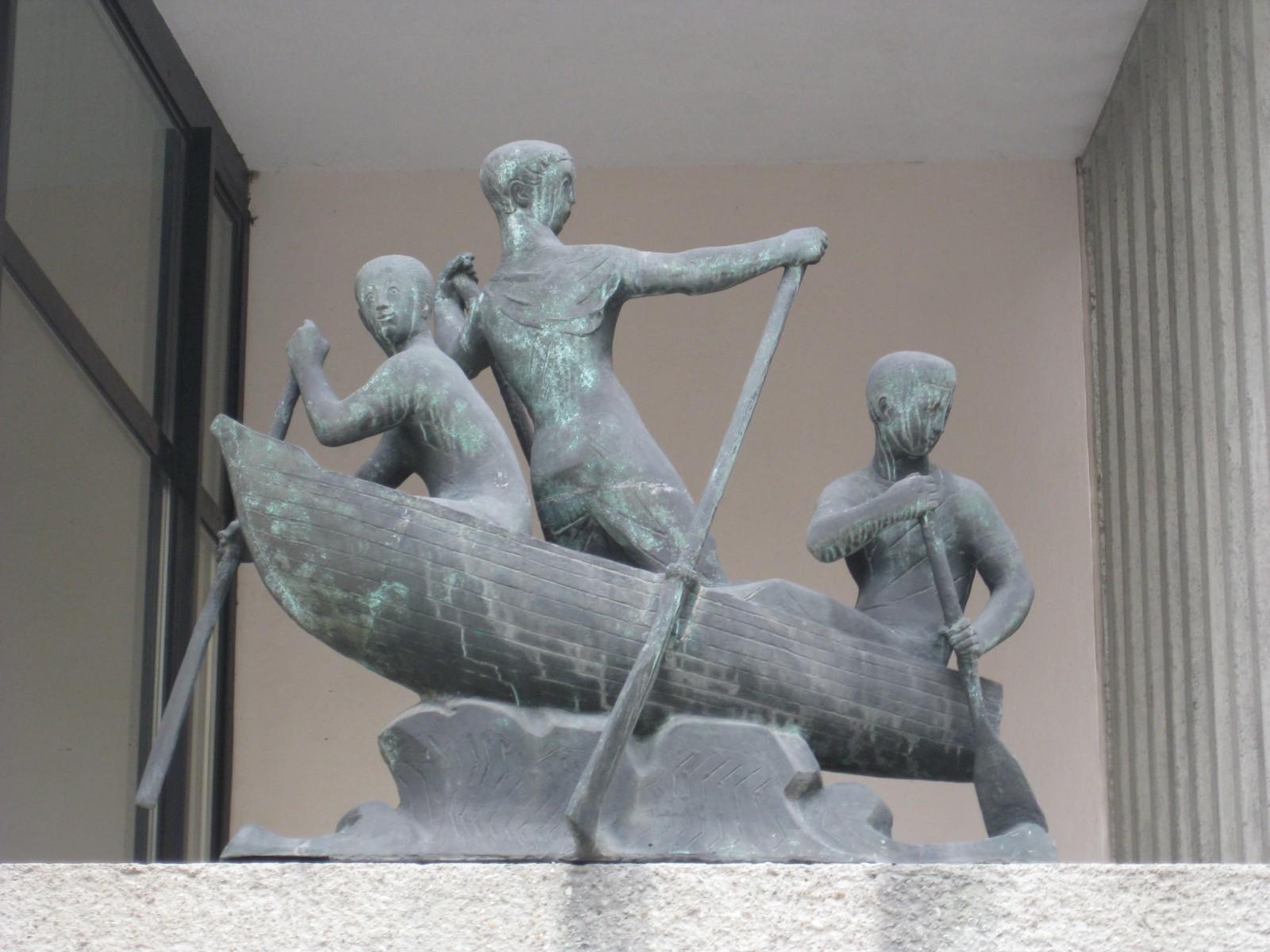 1010 Passauer Platz 5 - Concordia-Hof - Bronzeplastik Salzschiffer von Franz Barwig d.J. 1958 IMG 7576.jpg