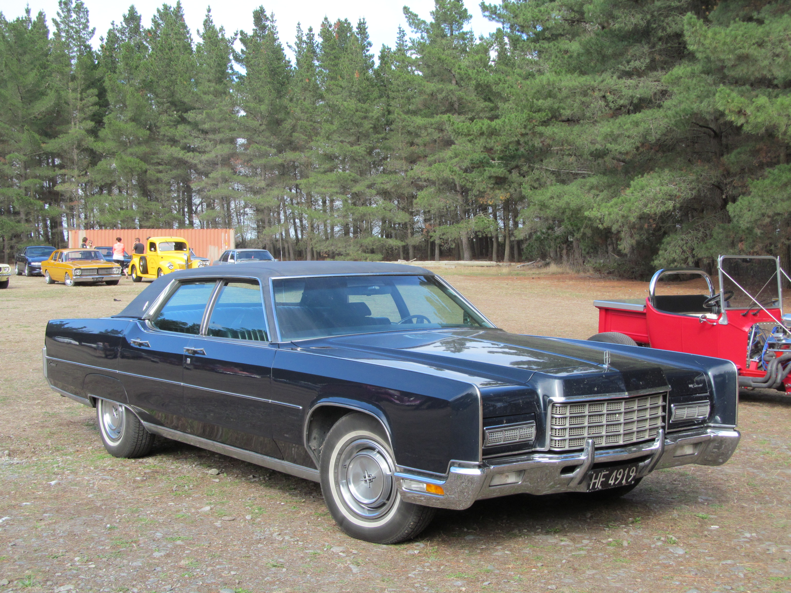 1972_Lincoln_Continental_(19902728272).j