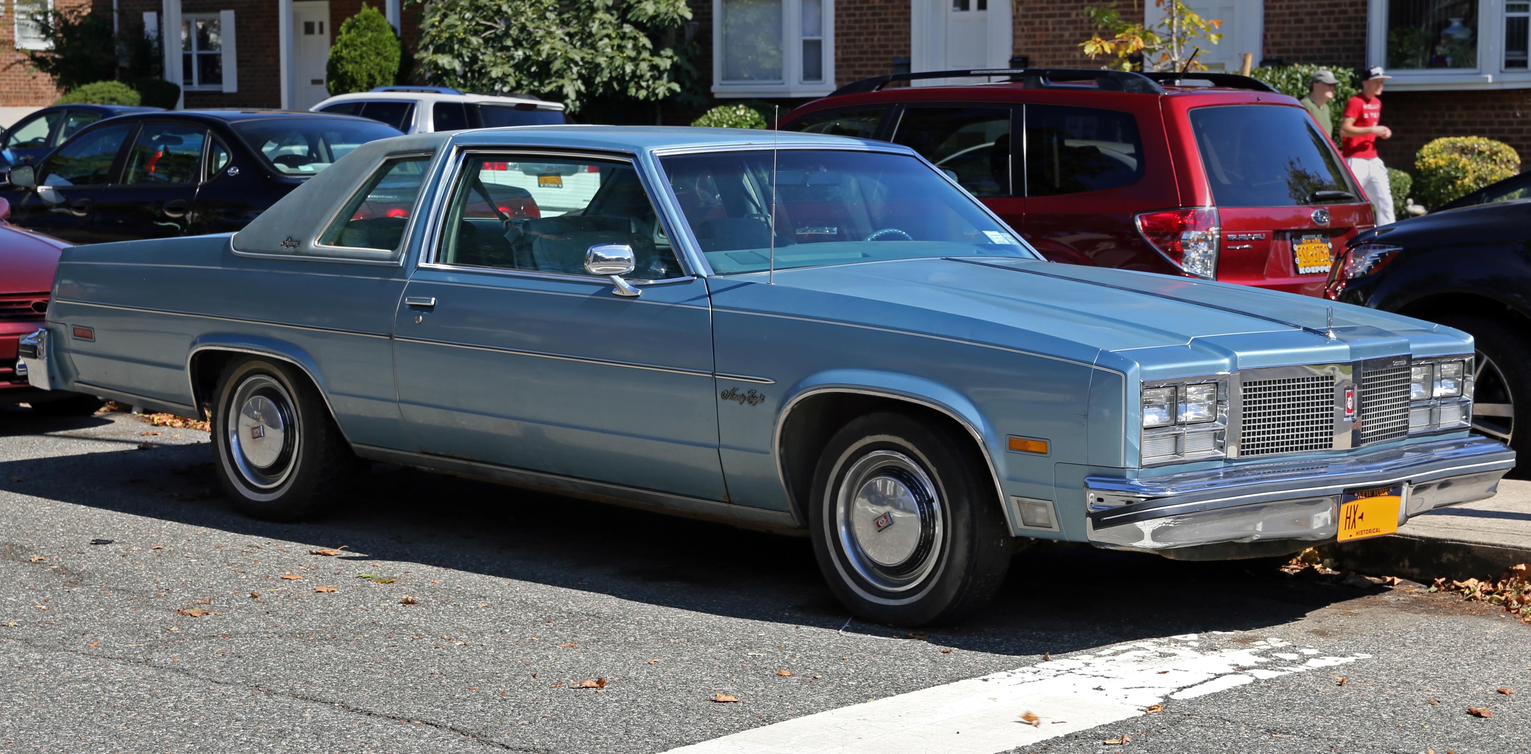 1977_Oldsmobile_98_Regency_hardtop_coupe