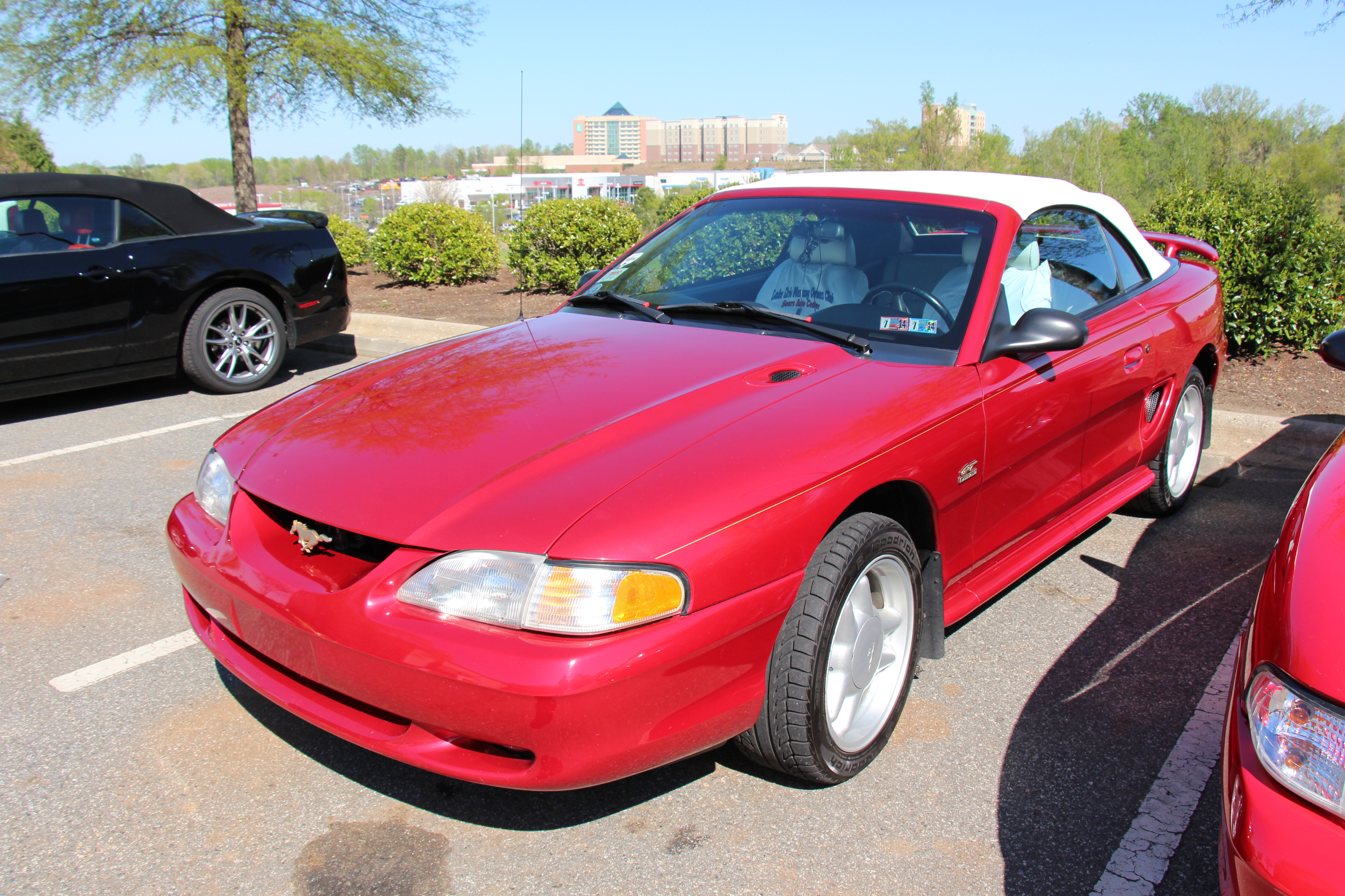 File1995 ford mustang gt convertible 14228353029 jpg