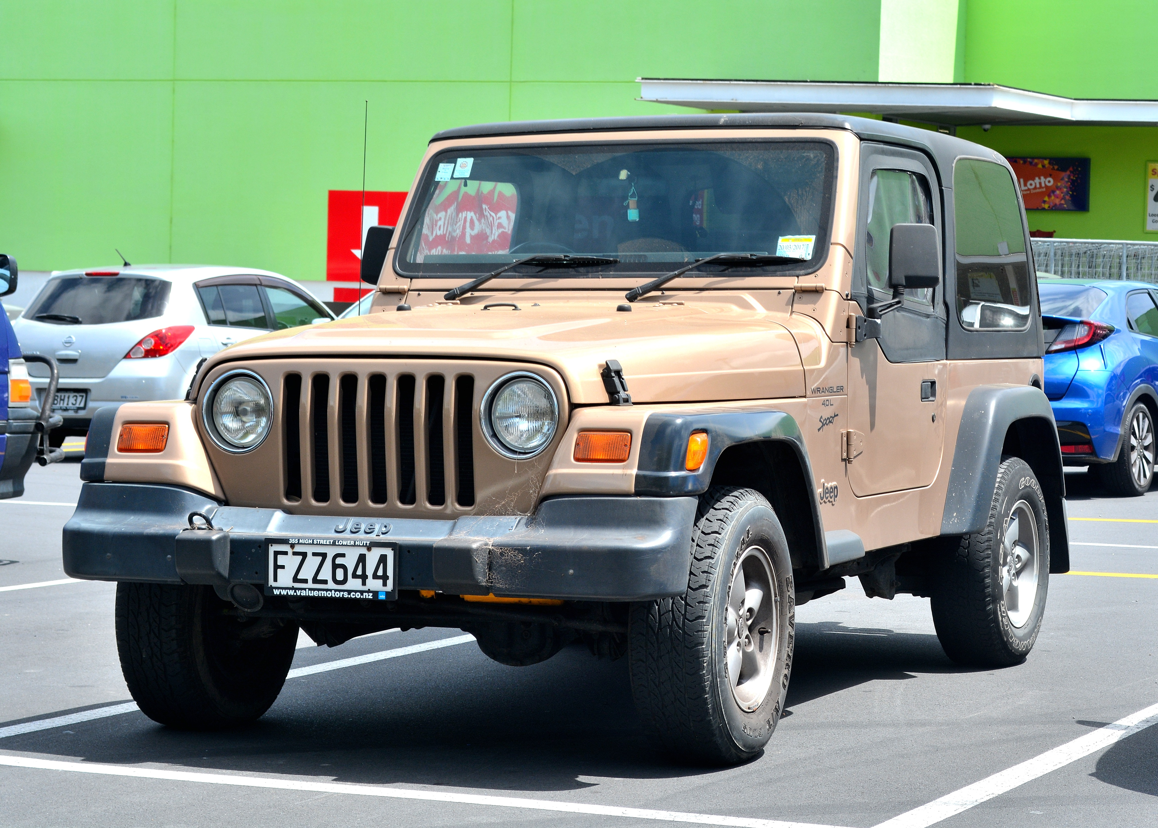 Charming File:1999 Jeep Wrangler Sport (32630359046)
