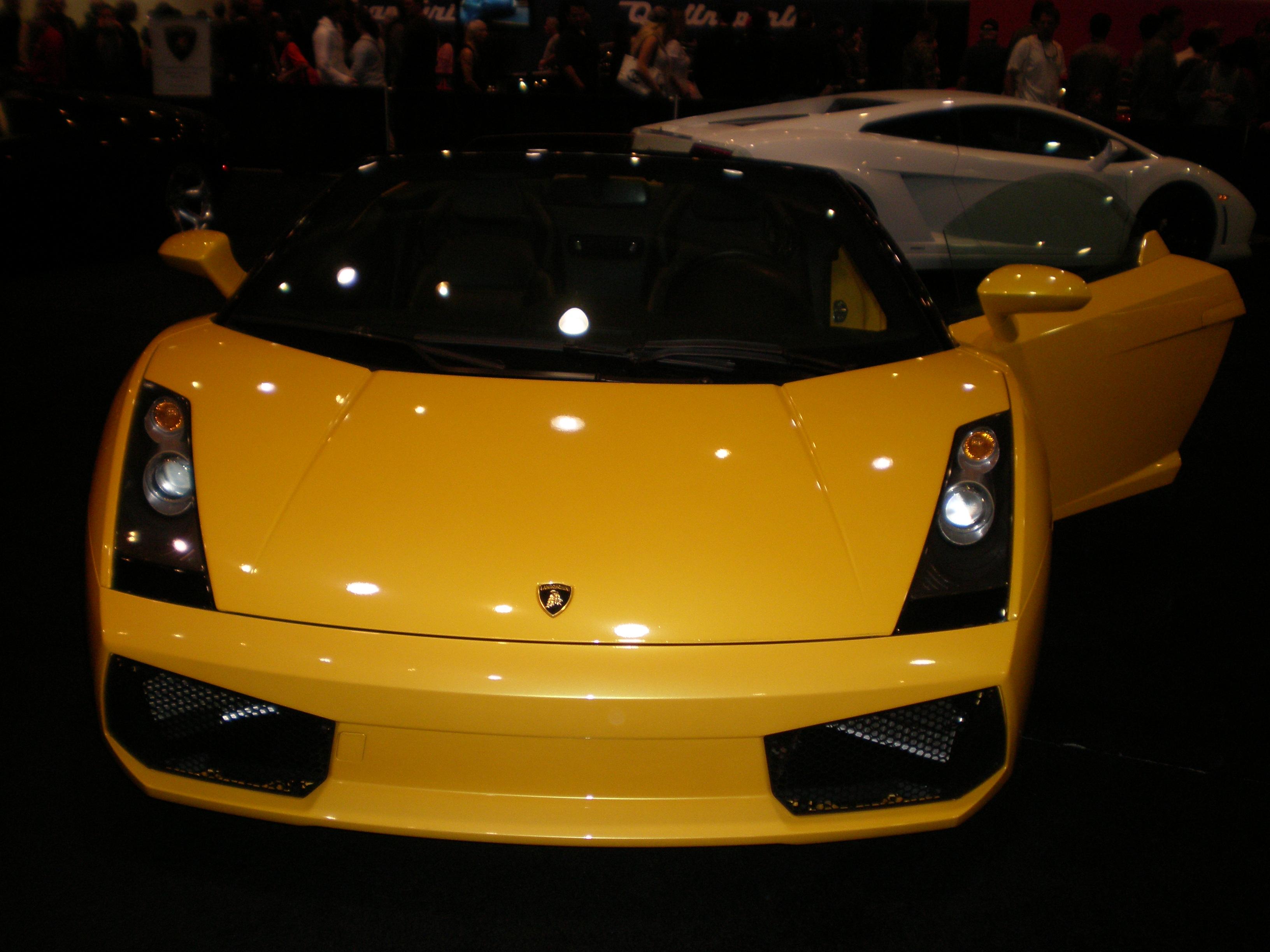 File 2007 Yellow Lamborghini Gallardo Spyder Front Jpg Wikimedia