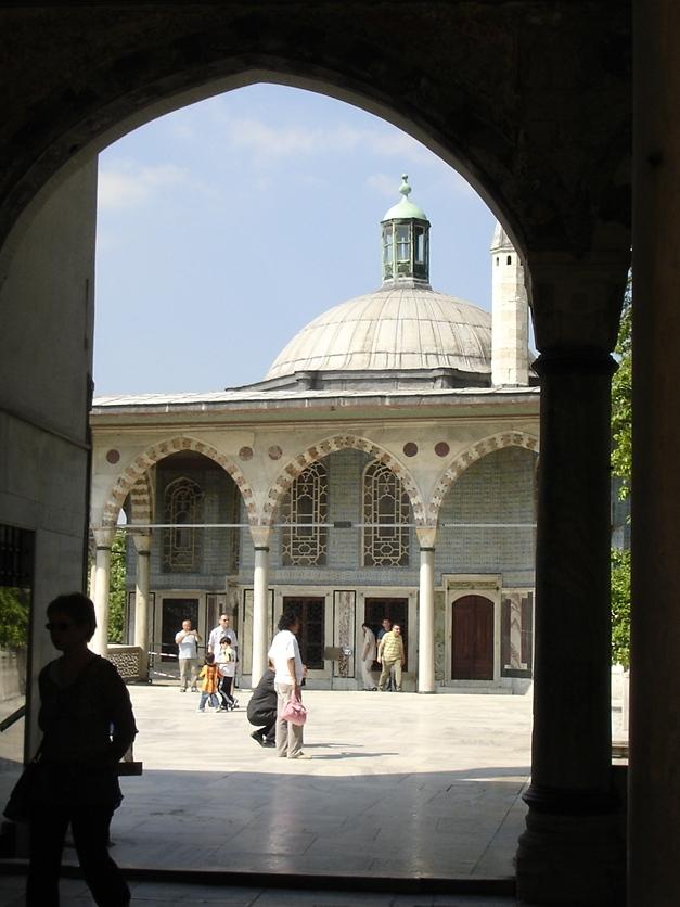 4069 Istanbul - Topkapi - Quarta corte - Chiosco di Baghdad - Foto G. Dall%27Orto 27-5-2006b.jpg