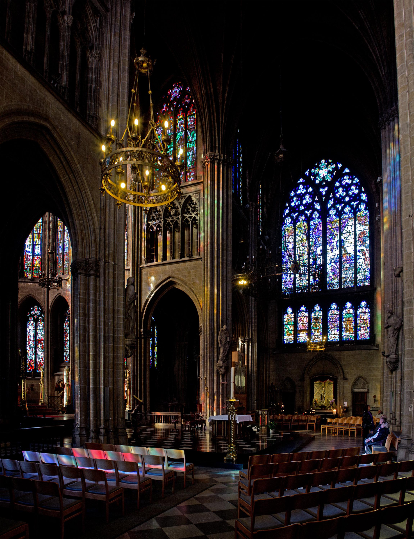 File 56586 parochiekerk sint petrus en for Interieur oostende