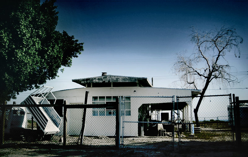 File:Abandoned House at the Salton Sea.jpg