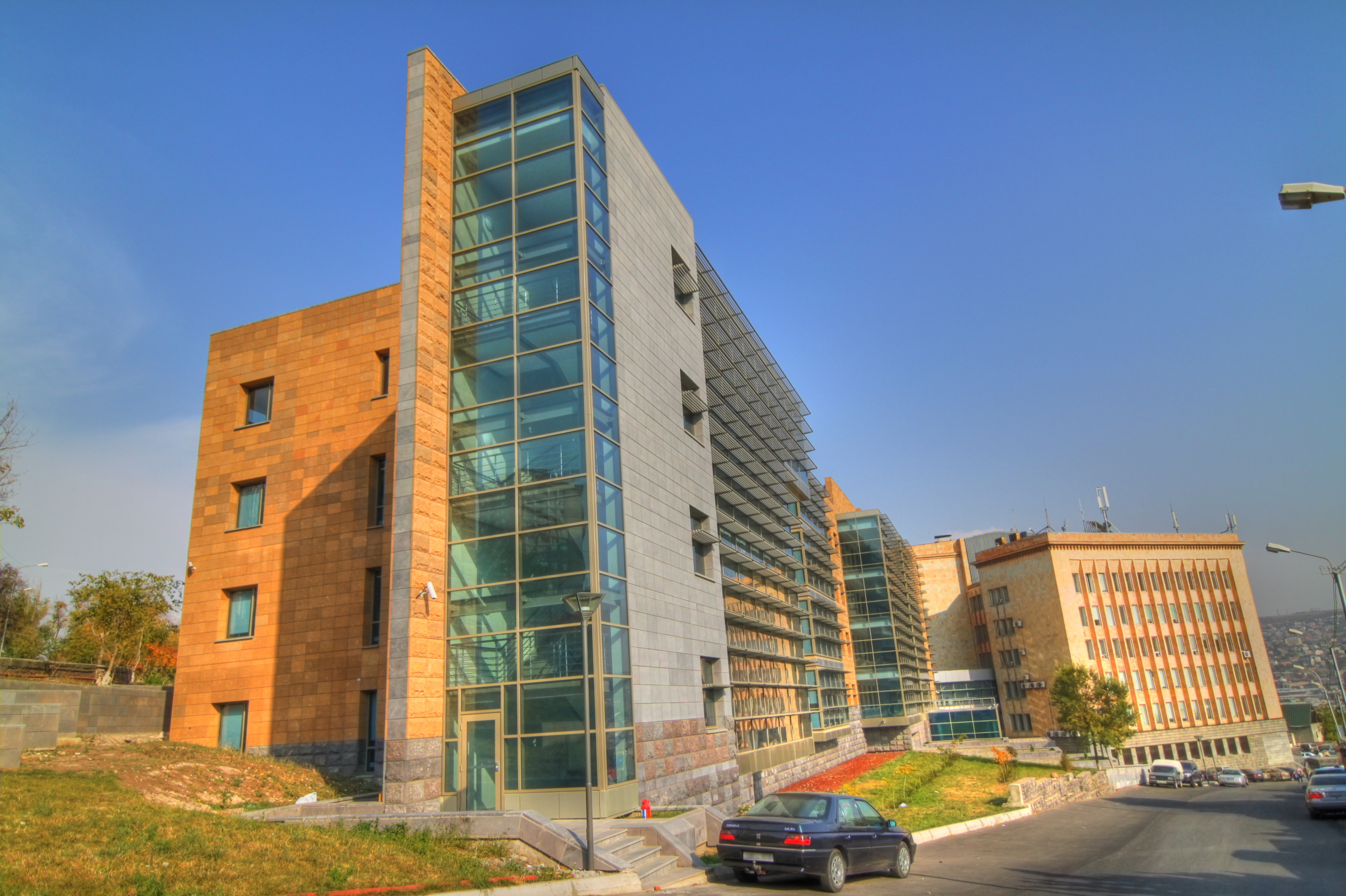 File:American University of Armenia - HDR.JPG - Wikimedia ...