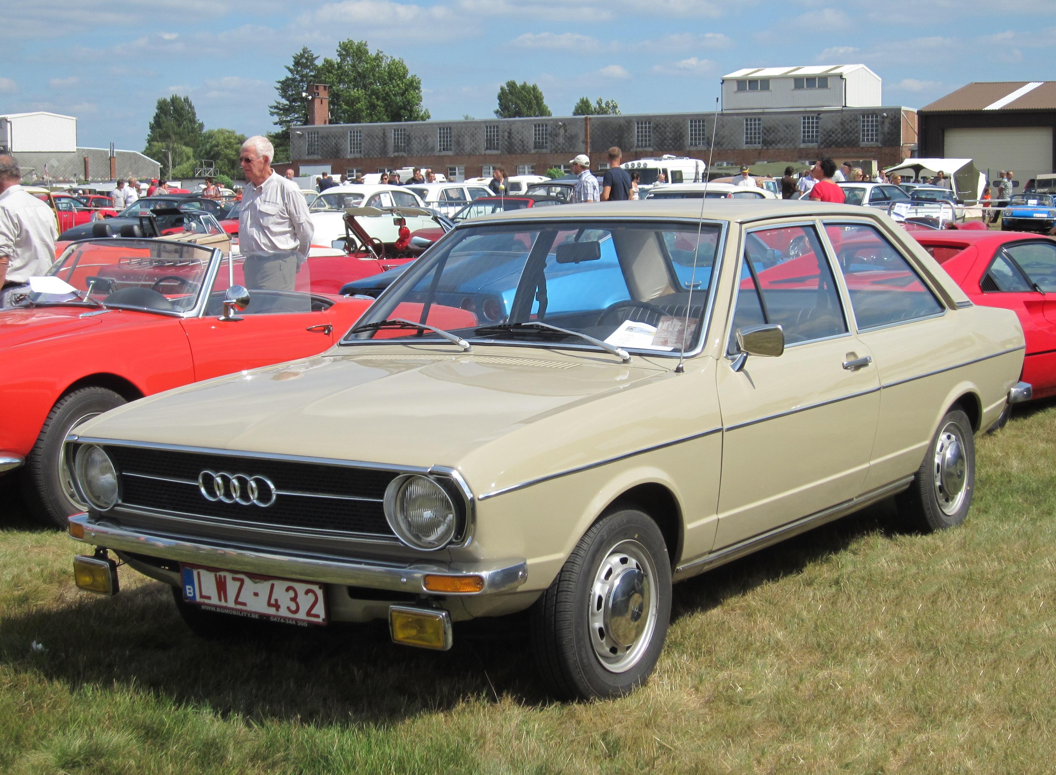 File Audi 80l 2 Door Ca 1975 B1 Jpg Wikimedia Commons