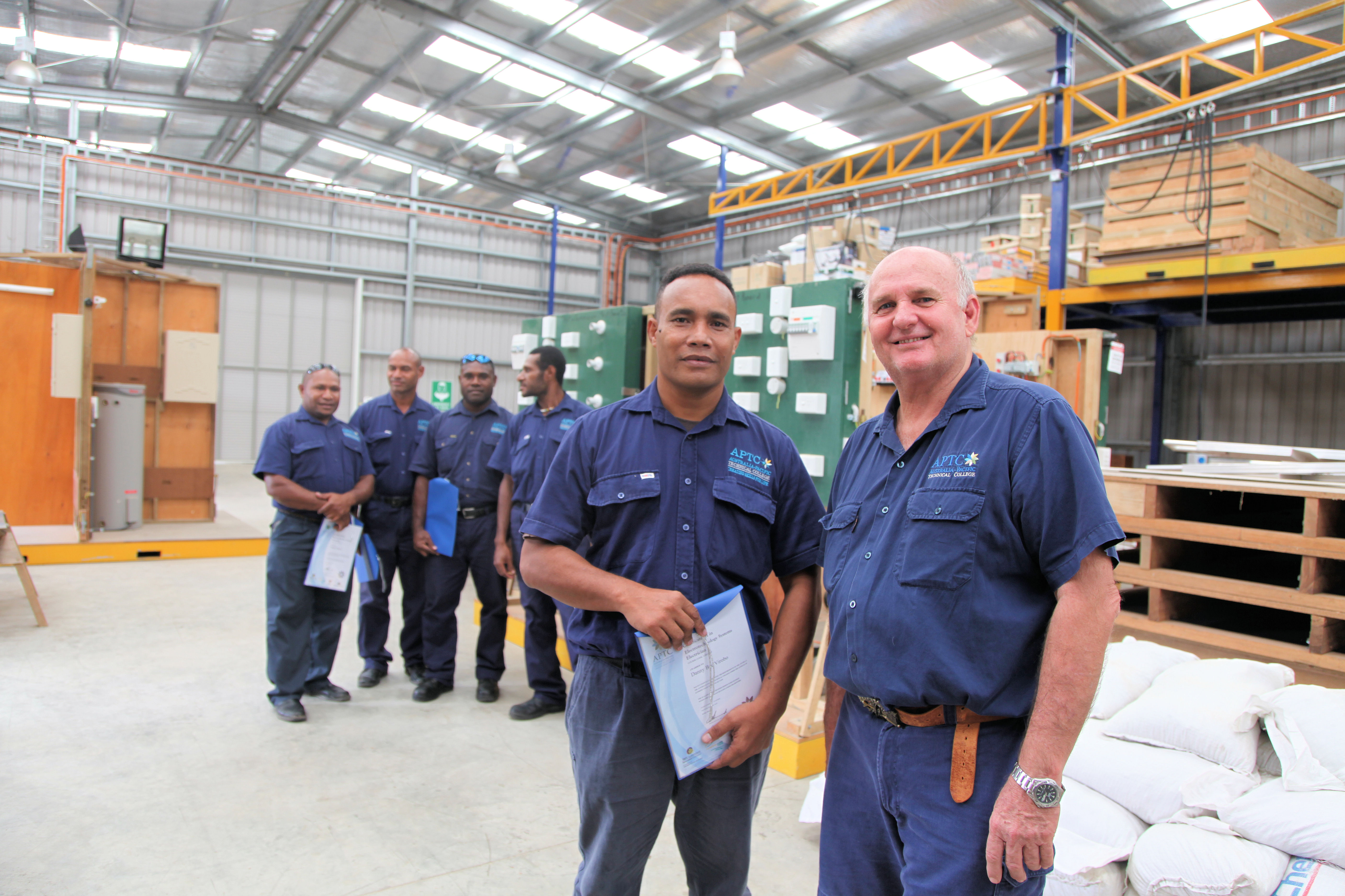 File:Australia provides training for PNG electricians (10673381114
