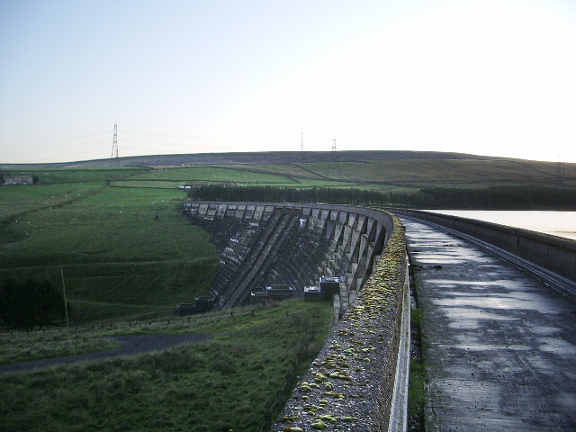 Baitings Reservoir Dam - geograph.org.uk - 1130620