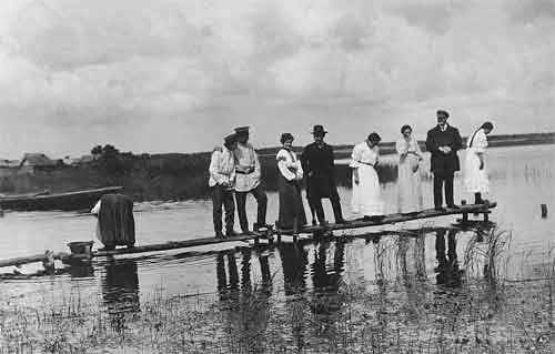 File:Bari (1907).jpg