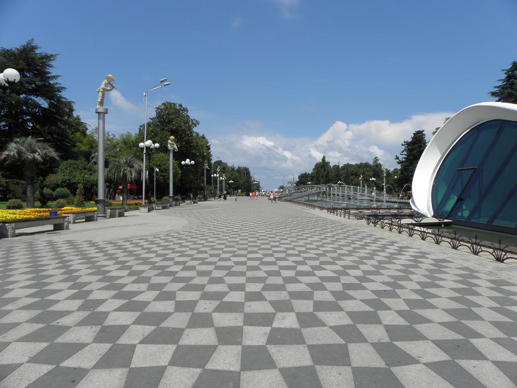 Batumi Boulevard, Things To See in Batumi