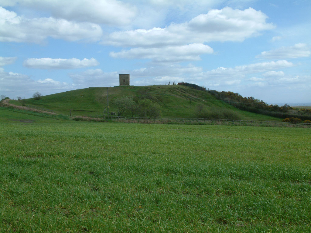 http://upload.wikimedia.org/wikipedia/commons/5/50/Billinge_Hill.jpg
