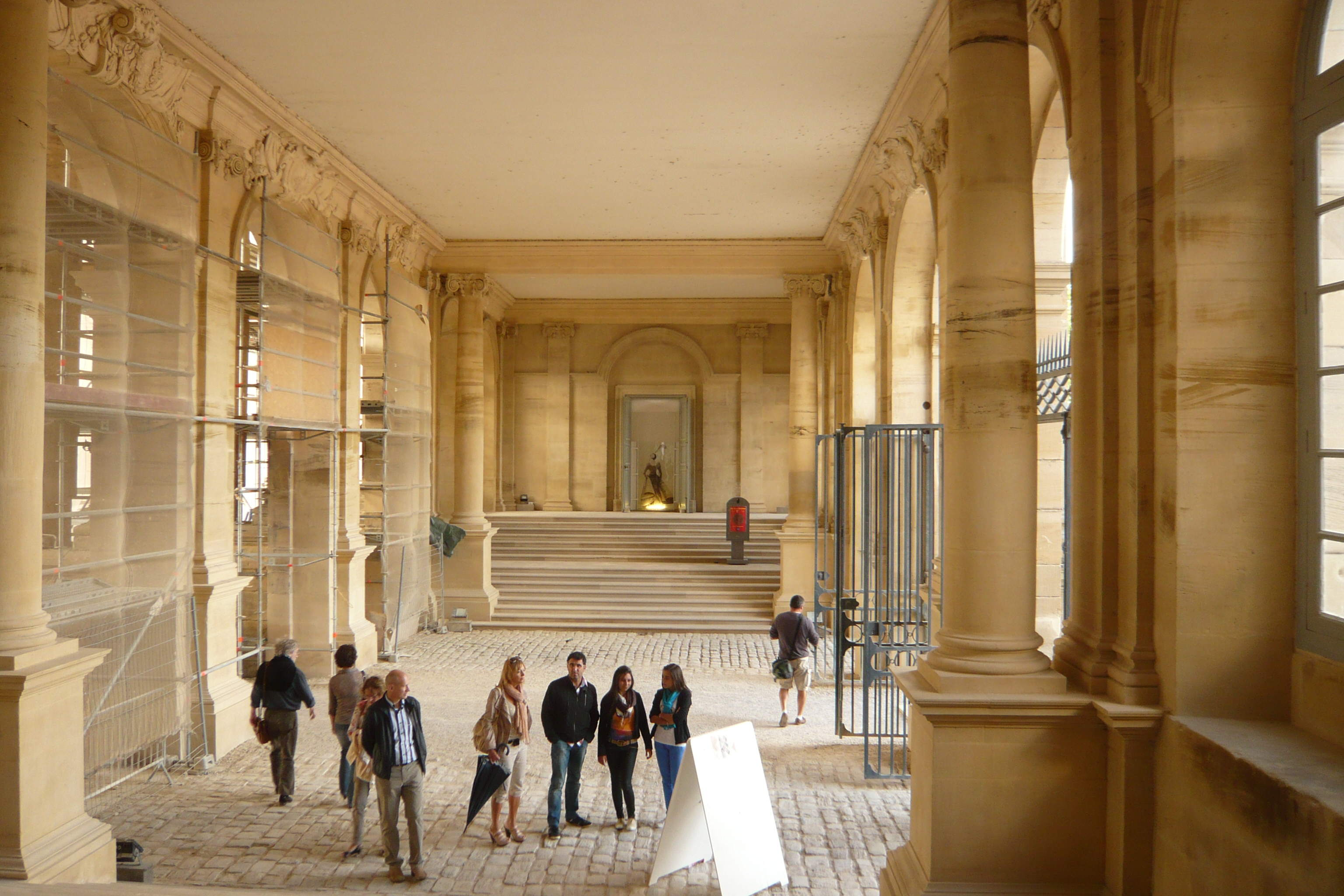 File:Carriage passageway from front court to back garden Château de ...