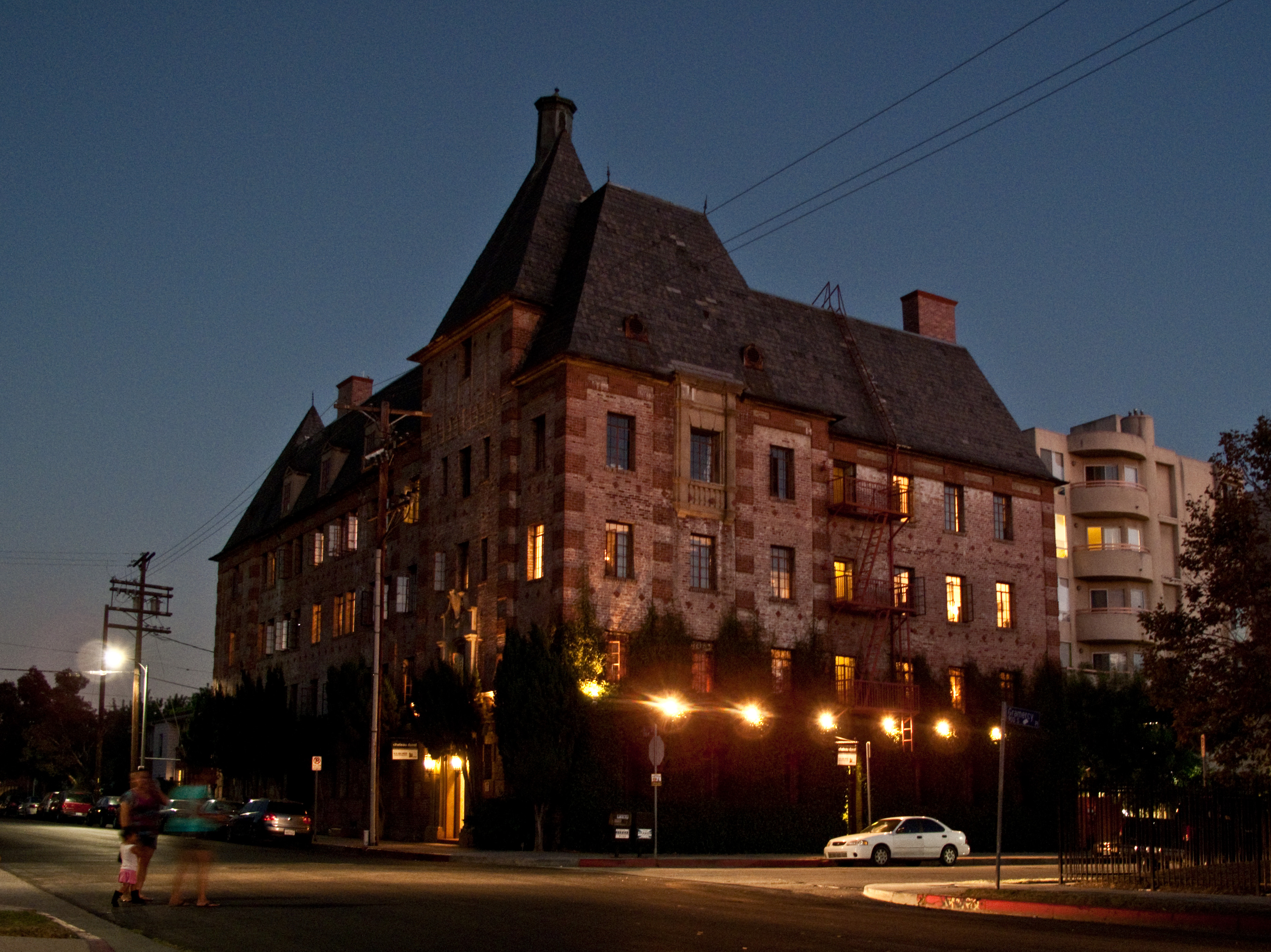 File:Chateau Duval Apartments, Los Angeles.jpg - Wikimedia Commons After The Sunset
