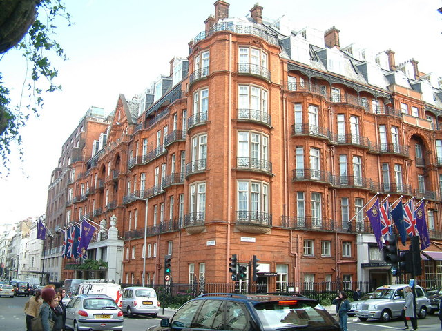Hotels In London With Spa And Pool