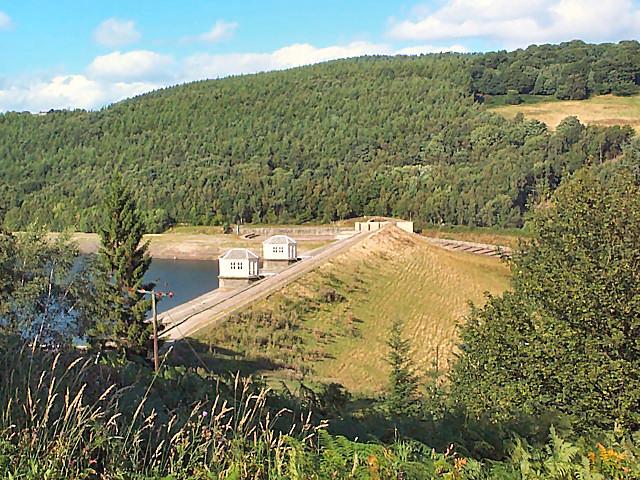 Dam of Lindley Wood reservoir - geograph.org.uk - 46090