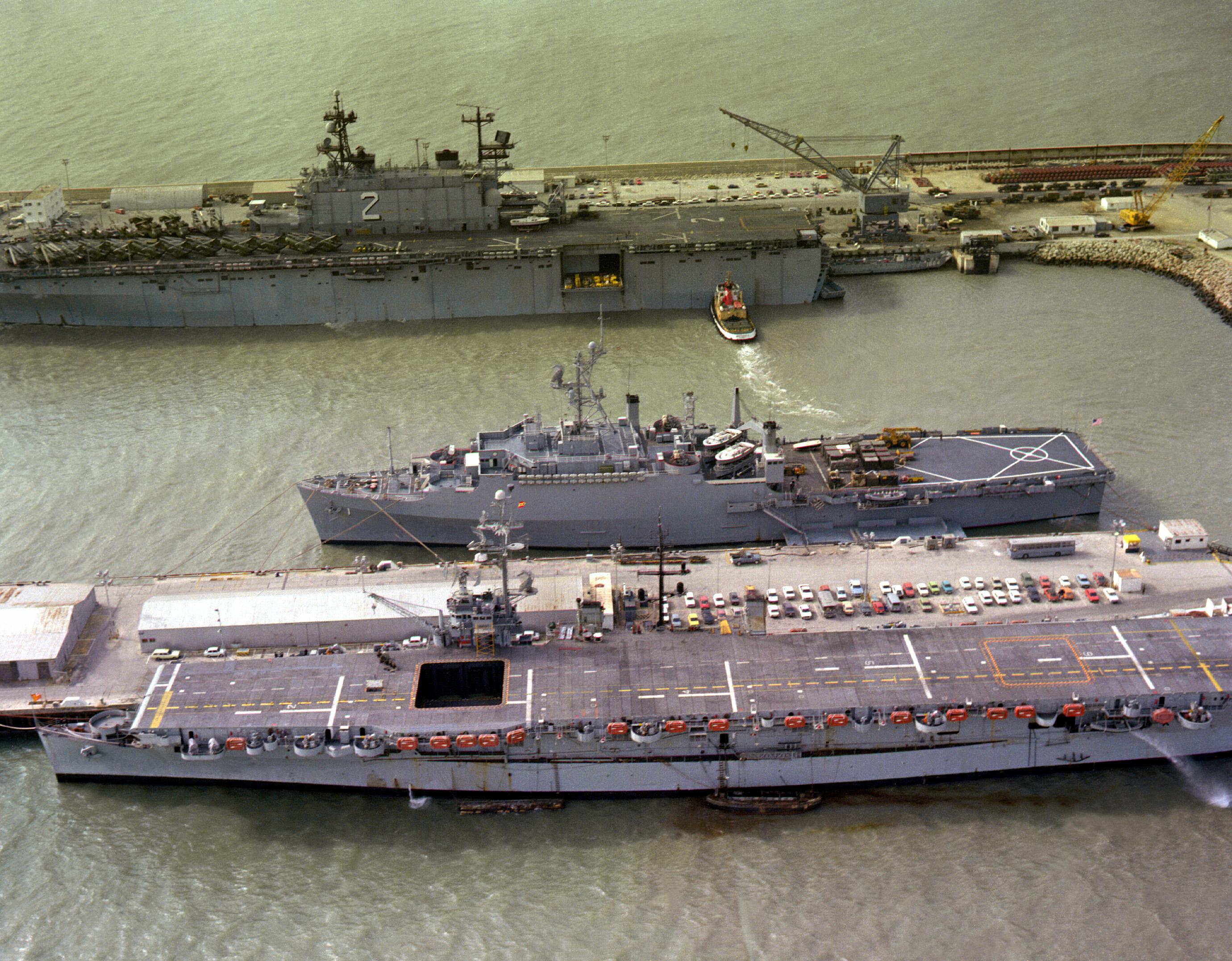Spanish aircraft carrier Dédalo, R01, USS Raleigh (LPD-1 ... Spanish Aircraft Carrier News