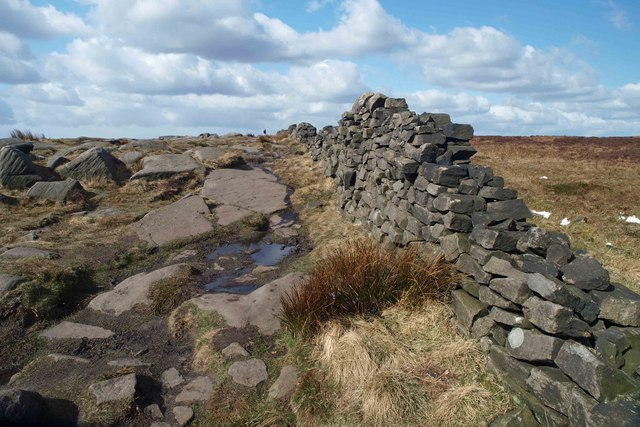 Dry stone wall on Stanage Edge - geograph.org.uk - 733576