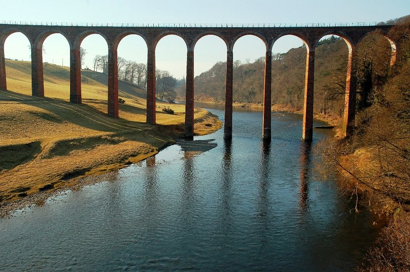 Fitxategi:Drygrange Viaduct at Leaderfoot - geograph.org.uk - 1741704.jpg
