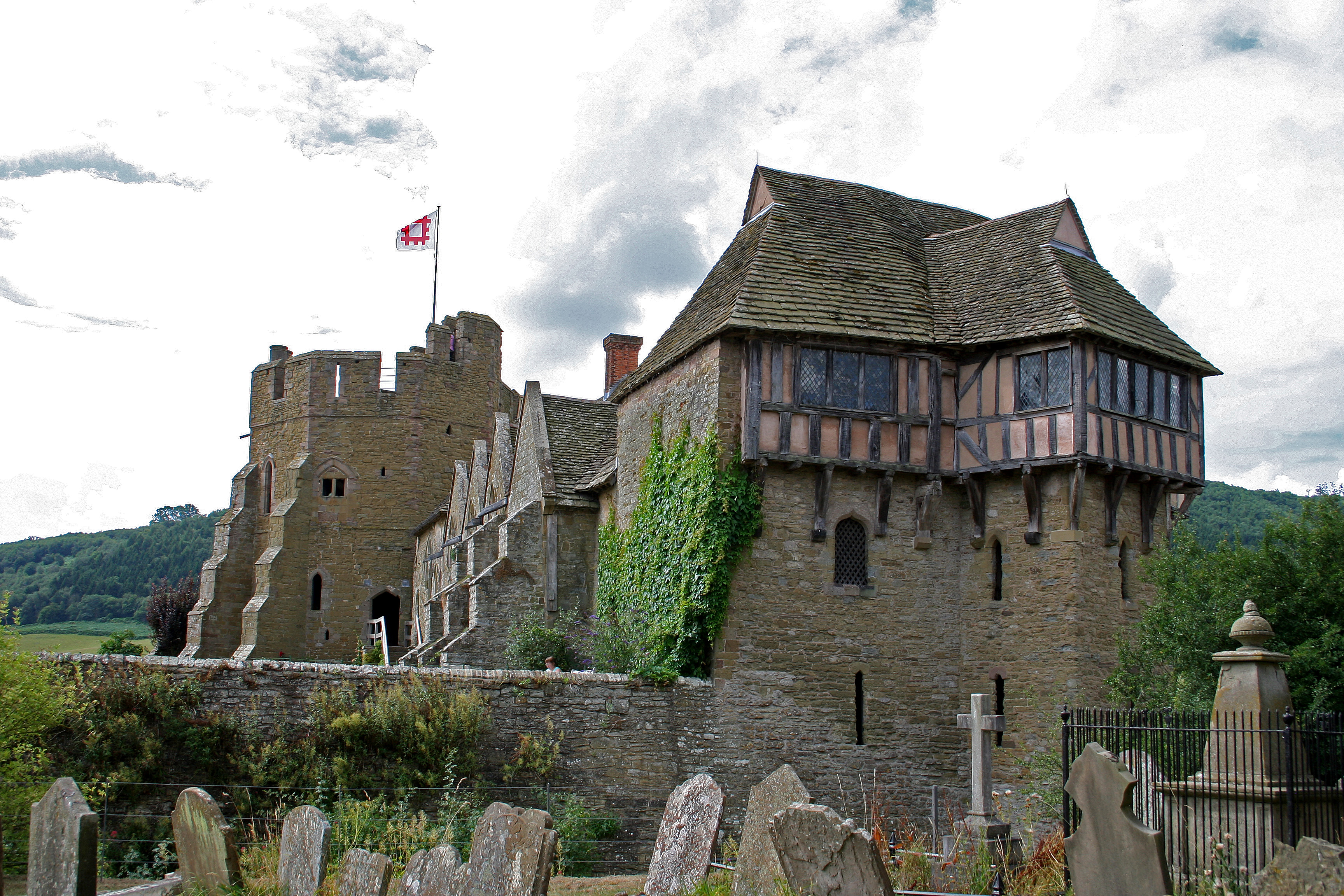 Exterior_of_Stokesay_Castle%2C_2006
