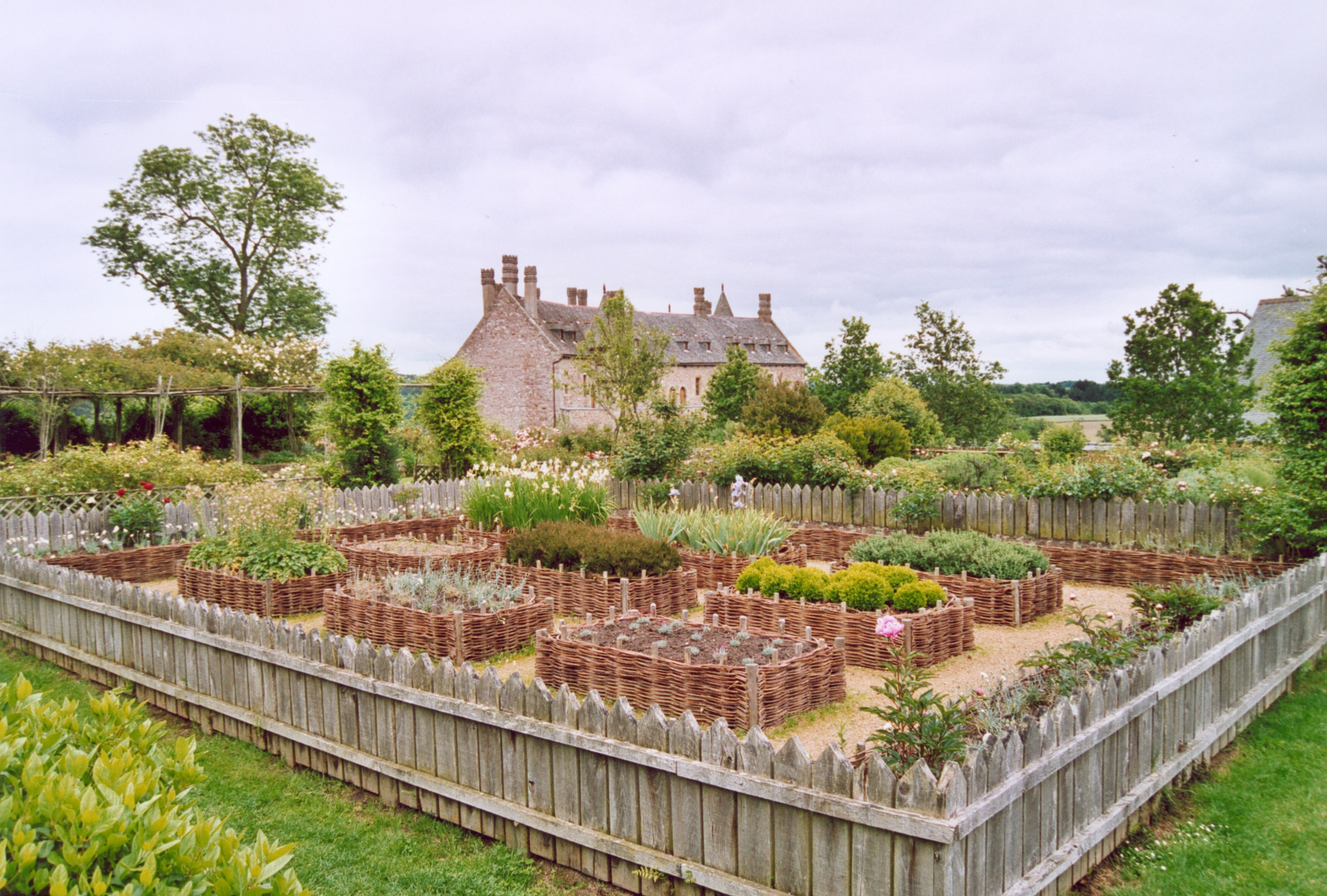 File france cotes d armor roche jagu jardin for Jardin in french