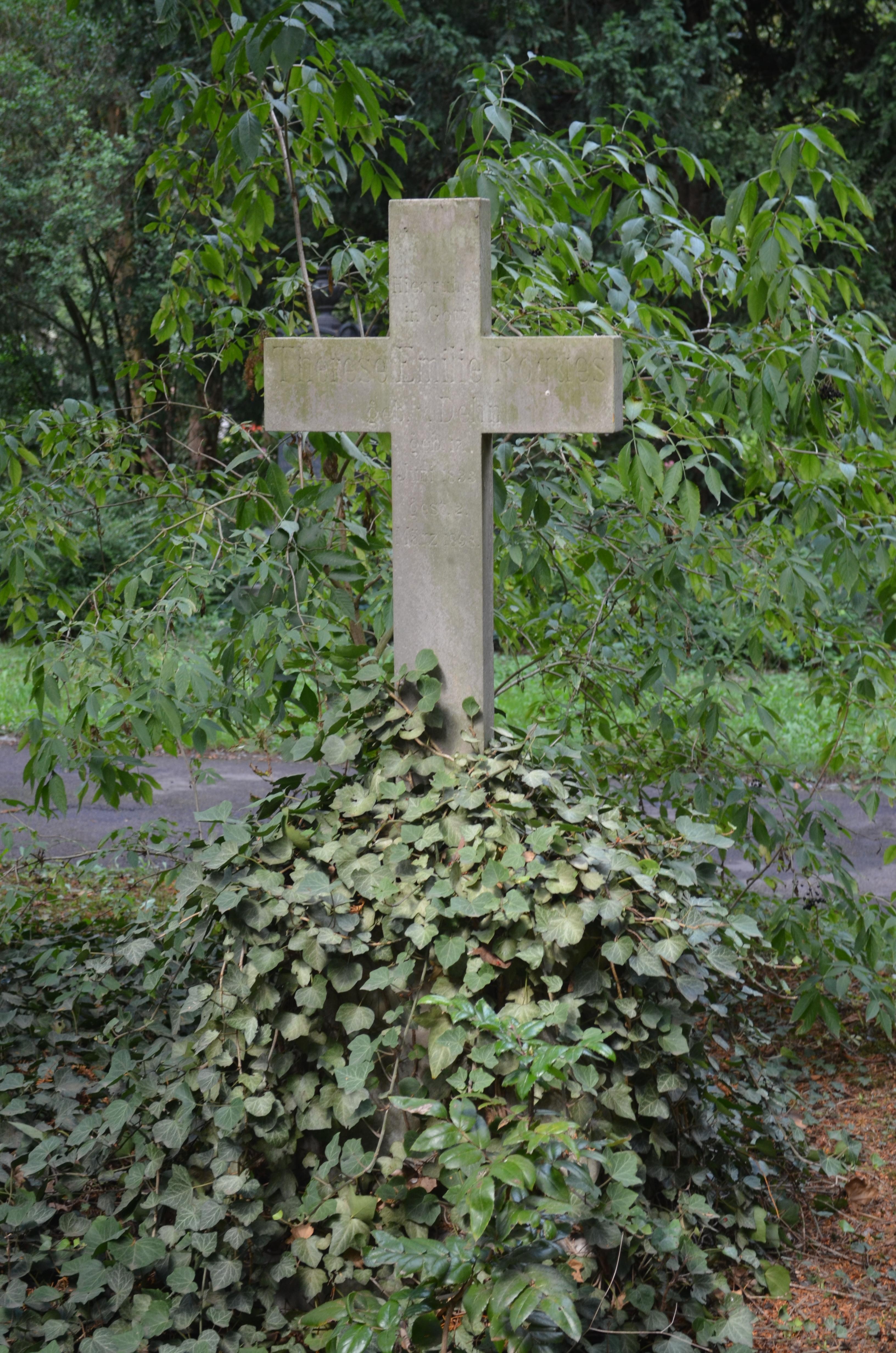 Dateifrankfurt Hauptfriedhof Grab D 236 Roquesjpg Wikipedia