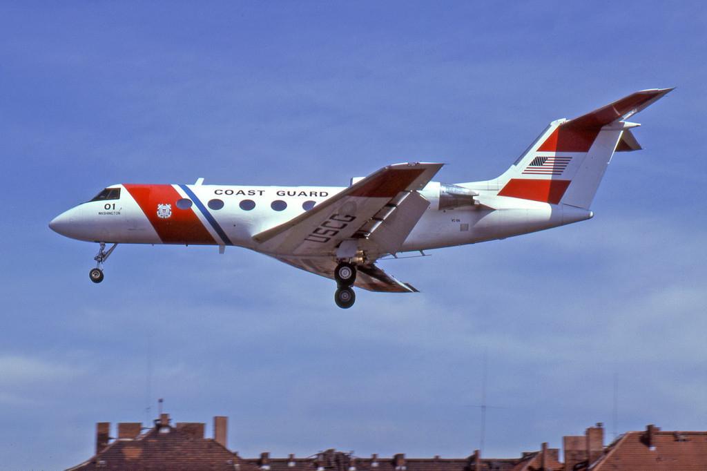 File:Gulfstream C-11A, 01 01 Washington, US Coast Guard.jpg ...