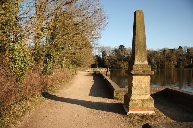 Hartsholme Lake obelisk (geograph 3465775)